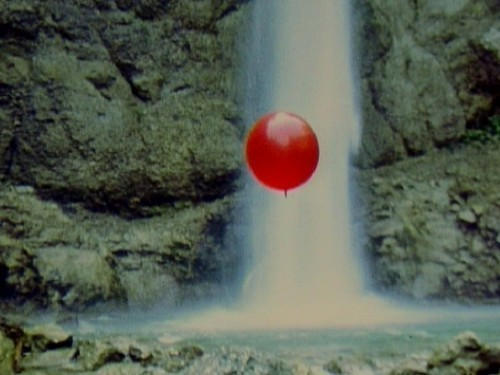 Balloon Before Waterfall. Roman Signer. 1982.