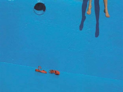 Guy-Bourdin-English-16